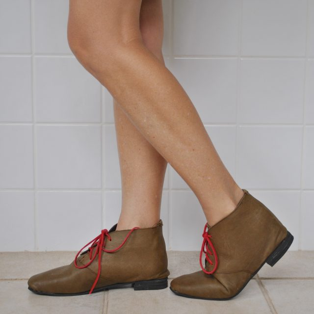 olive boots side