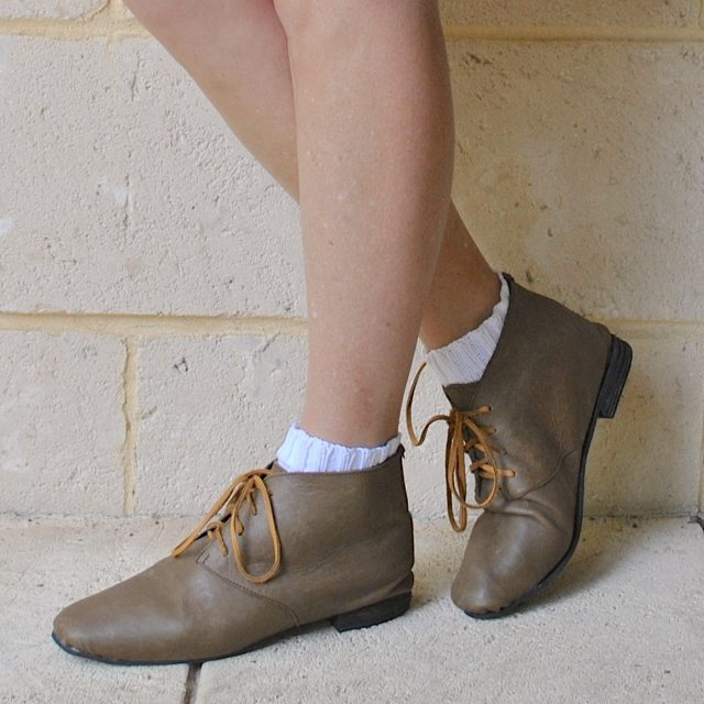 olive boots with mustard