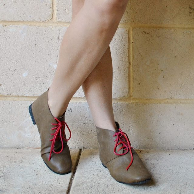 olive boots with pink